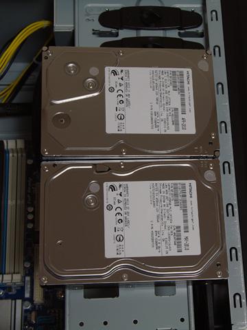 Windowsドライブが250GB、データドライブが1TB