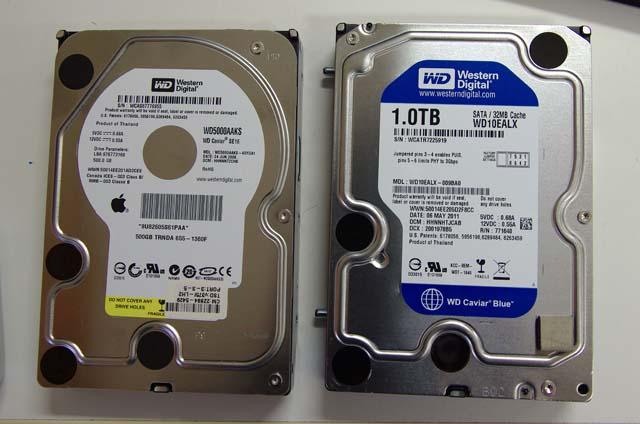 左が既存ディスク、右が交換するディスク