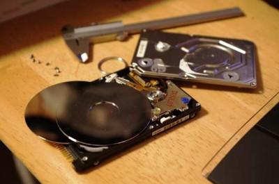 ハードディスクの分解