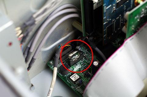 パソコン内にある丸ボタン電池 CR2032